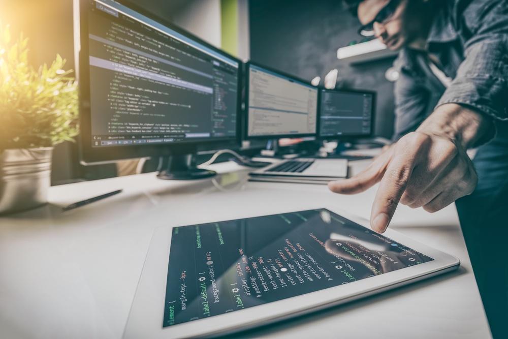 12 Benefits of Custom Software Development